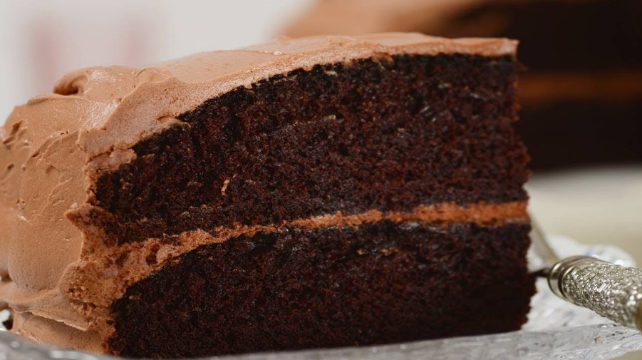 Can You Bake Cakes With a Bread Machine?
